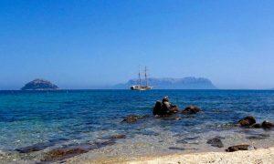 a picture of the mesmerising views at Spiaggia S'Abba e sa Pedra in Golfo Aranci Sardinia